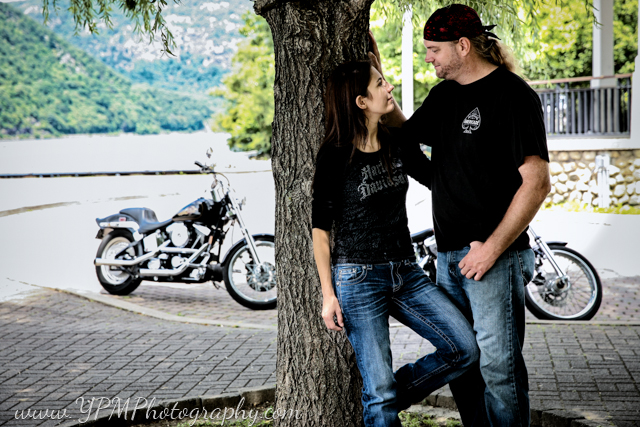 ypm_photography-engagement-portraits_0072